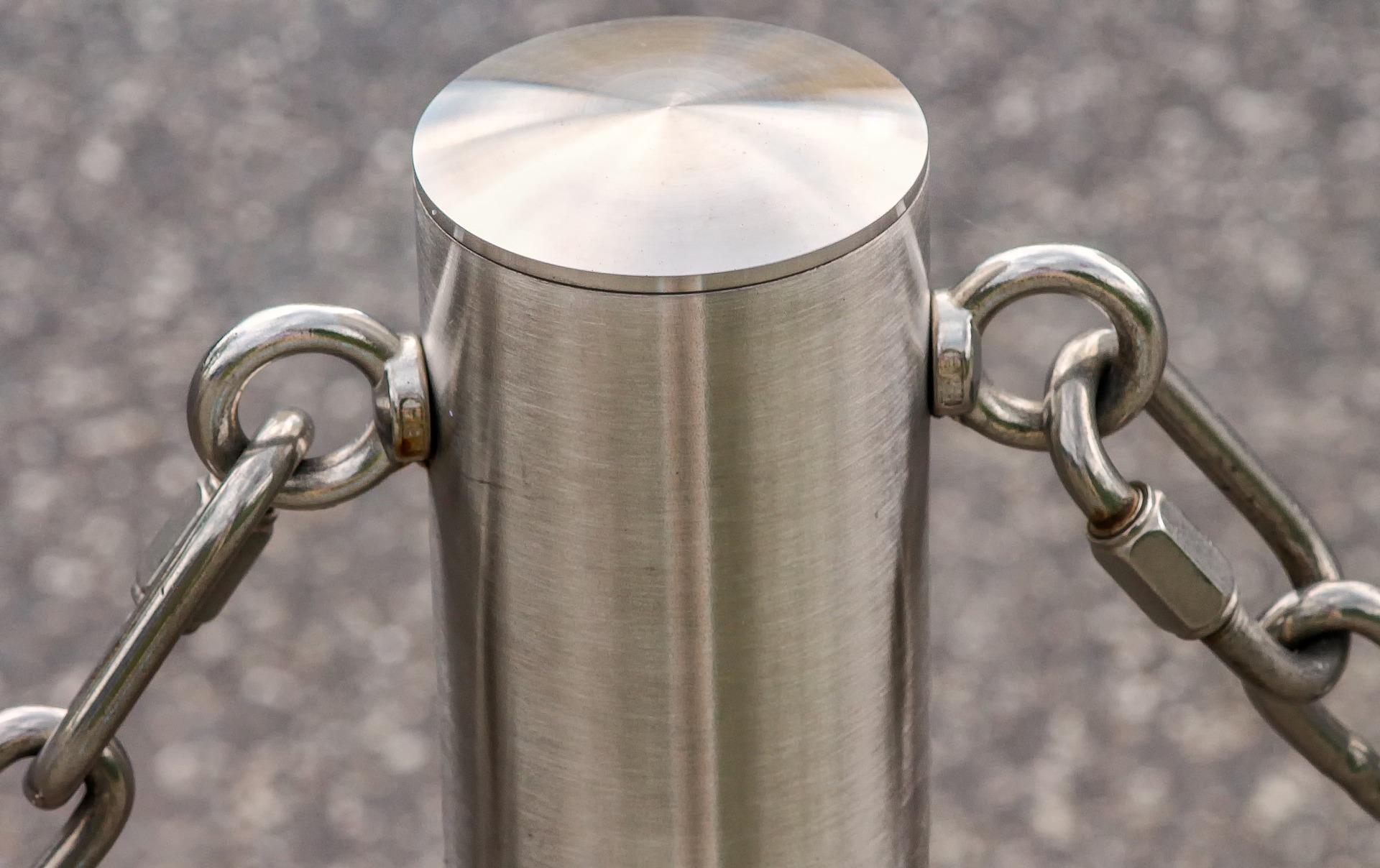 Kettenpfosten aus Stahl