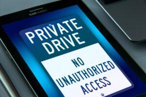 Mit der Zutrittskontrolle können sich Unternehmen schützen